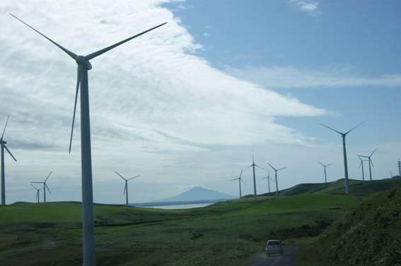 自然エネルギー利用に本腰が入らない理由--国内に市場の少ない風力発電