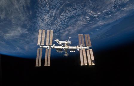 究極のリサイクルを実践する宇宙ステーション