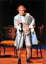 モーツァルト音楽の選曲が卓抜な舞台「アマデウス」