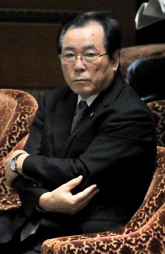 野田『素人』内閣の危機