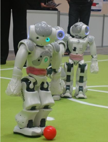 ロボットはW杯を制覇できるか?〈上〉</P>ランドマークとしてのロボカップ計画