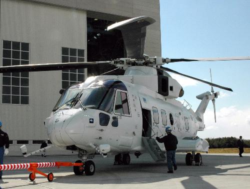【UH-X官製談合疑惑と日本のヘリメーカーの病巣(2)】 問われる調達計画