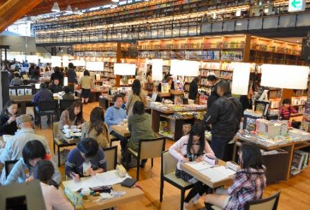 TSUTAYAに頼めば万事解決? 公共図書館と出版産業の未来を考える