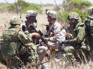 自衛隊、水陸両用作戦能力の実力――米海兵隊幹部に聞く