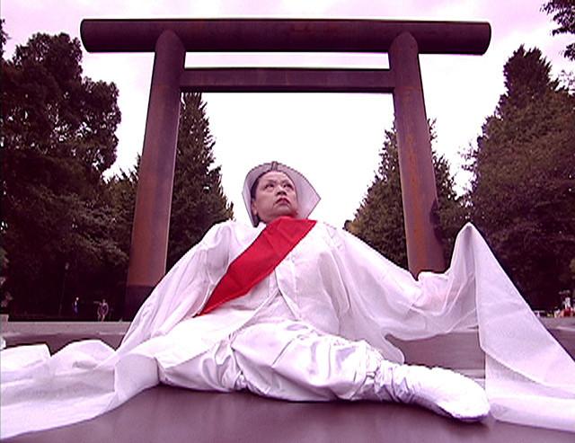 現実のまっただ中で死者と対話する大浦信行監督作品『靖国・地霊・天皇』