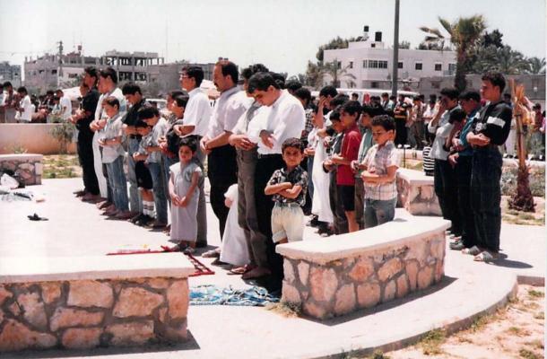 [9]アルジェリアの暴力、ガザで見た石つぶて
