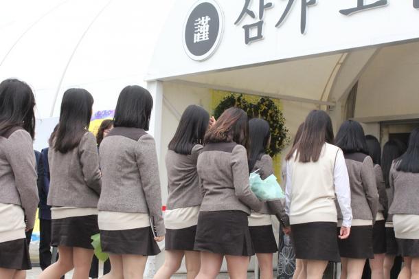 セウォル号事故から1年、韓国社会の苦悩(上)