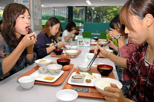 東大総長が「朝食を食べて」と挨拶する時代