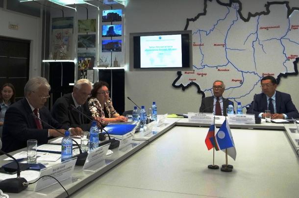 サハ共和国の夢とプリマコフ元首相の死(上)
