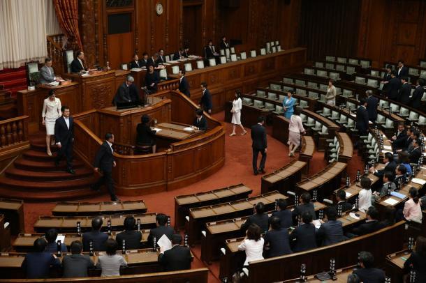 安保法制成立を立憲主義確立のチャンスに(上)