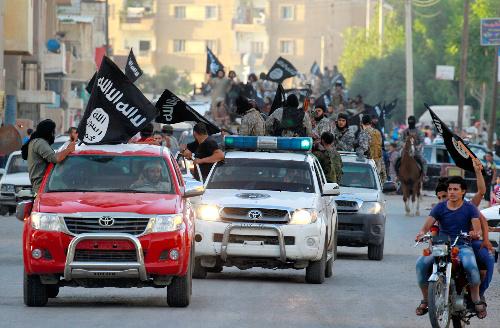 イスラム国がトヨタのランドクルーザーを使う理由
