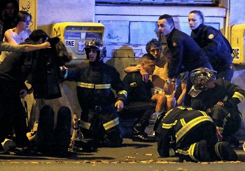 パリ同時多発テロの特殊性。銃撃と自爆が一体化