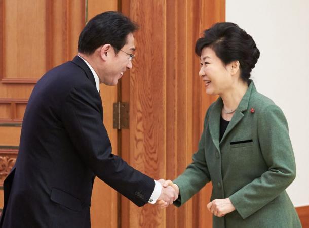 慰安婦問題の合意、日韓は「反発」を乗り越えよ