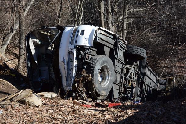 [26]格安バス事故が警告 「総活躍」の危うさ