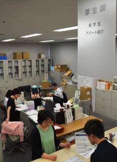 日本学生支援機構の奨学金の実態は「学生ローン」