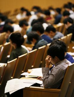 奨学金問題の現状と課題―16年参院選へ向けて―