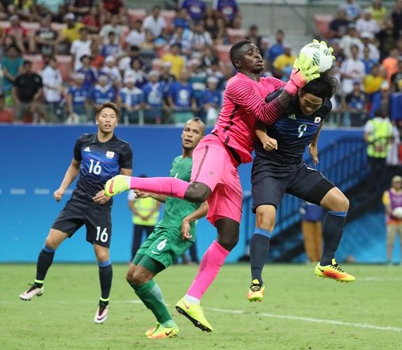 「ドタ着」で翻弄したナイジェリアの作戦勝ち?