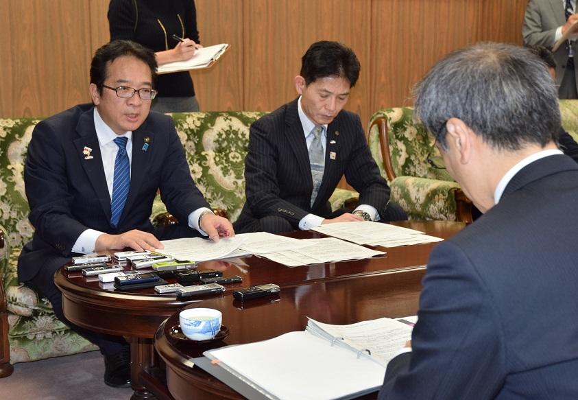 """日本原子力の""""継続信仰"""""""