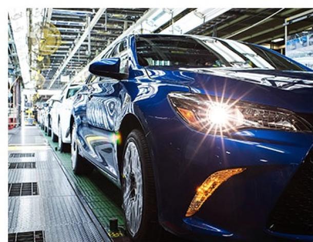 日本の自動車産業は付加価値の高い車作りで勝負だ