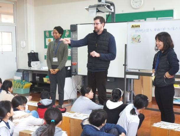英語教育は小学校低学年から必要なのか