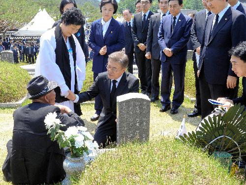 [24]文在寅への歓喜は日本人にはわからない?