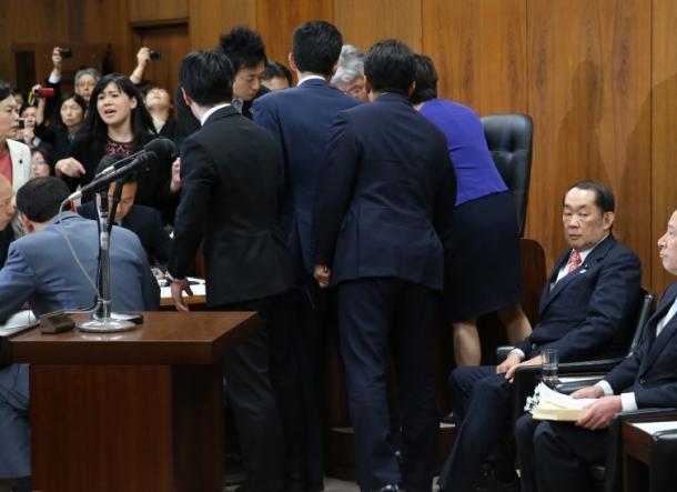 [34]「共謀罪」法案が衆議院を通過した週に