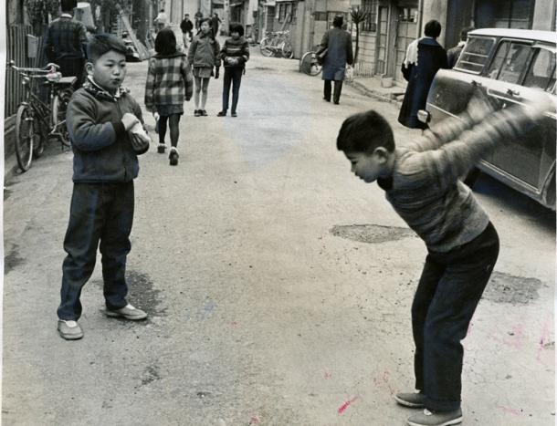 [2]子どもの貴重な遊び場「道」の喪失