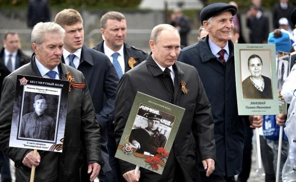 「偉大な国家、歴史への忠誠」を叫ぶロシア社会
