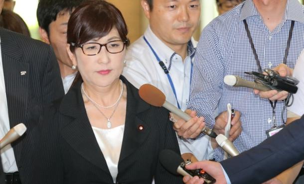 稲田防衛相失言の陰に、選挙と自衛隊の異様な光景