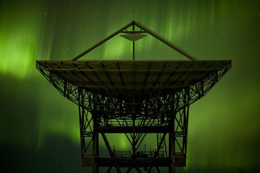 上空を3次元モニターする地上の巨大施設が始動