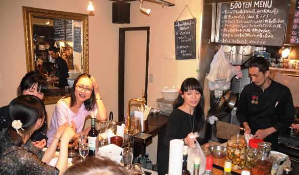 女性ひとり飲み事情の移り変わり、大阪の場合