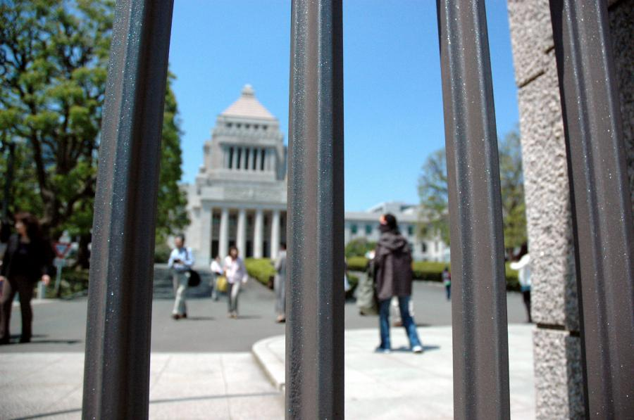税金の少ない日本で追い詰められる国家財政