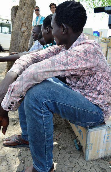 アフリカの子どもに銃を取らせる世界
