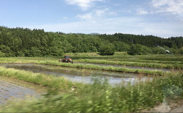 再び山形県鶴岡にて――田んぼと機械と舞踏と