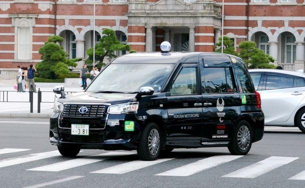 「ジャパンブルー」のタクシーが街の風景を変える