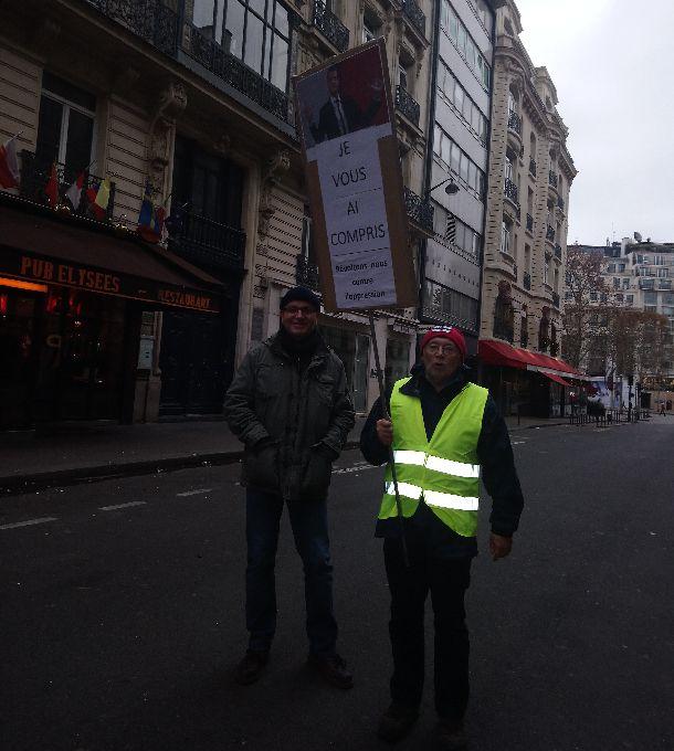 パリは革命前夜? 「黄色いチョッキ」デモの実態