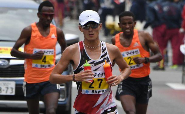 福岡国際マラソンを制した服部勇馬の快走