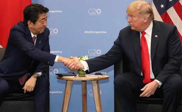 ノーベル平和賞にトランプを推薦した安倍氏の茶番