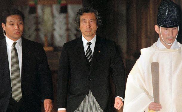 破壊者か救世主か?小泉首相の劇場政治が開幕