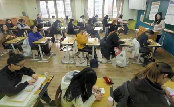 韓国「大卒社会」の曲がり角