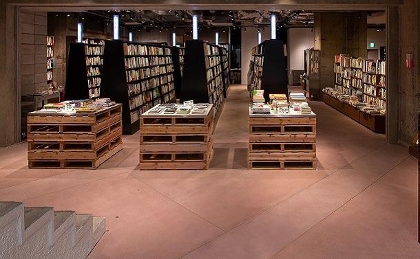 入場料を払う本屋「文喫」で、本は売れるのか?