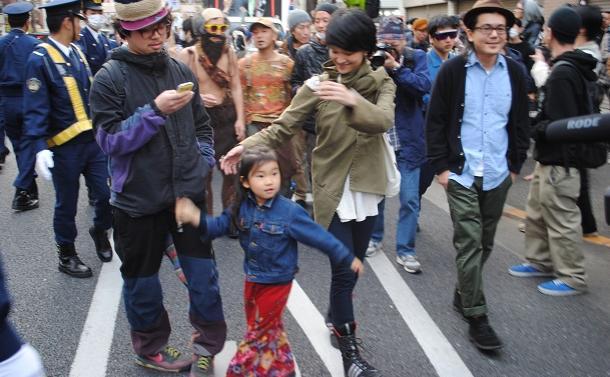 「初めてデモに行ってきた」から8年