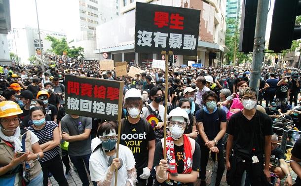 香港の若者を駆り立てる「出口」のなさ