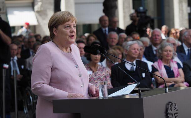 メルケル首相の14年にみるドイツと欧州の関係