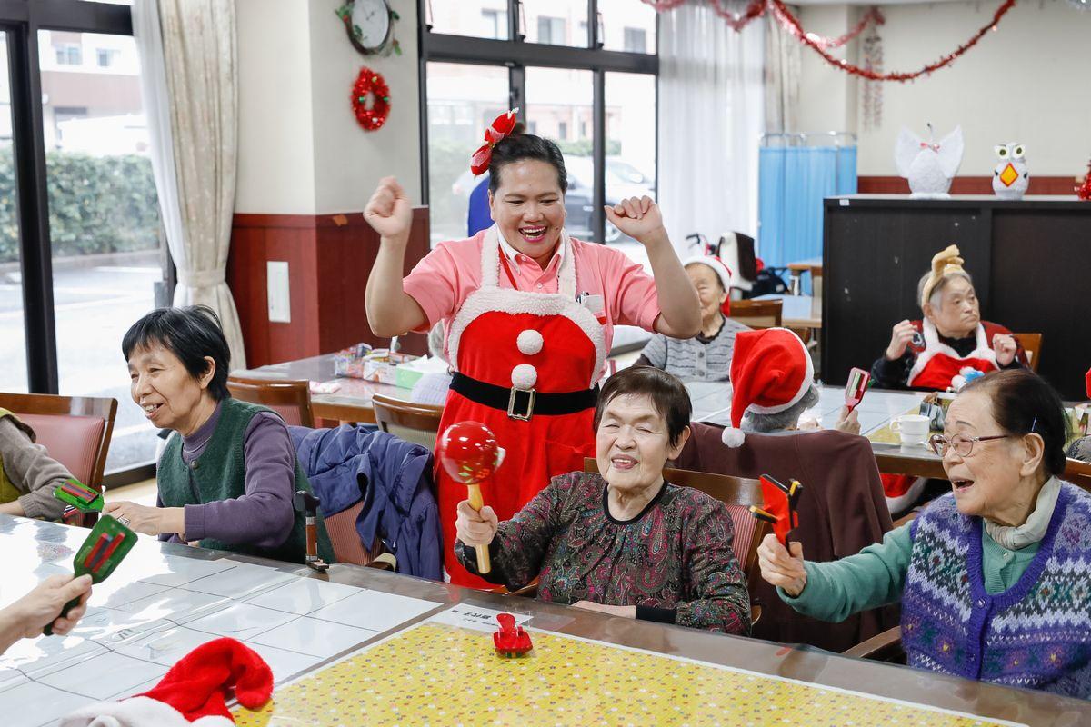 日本の介護施設で外国人が管理職になる日