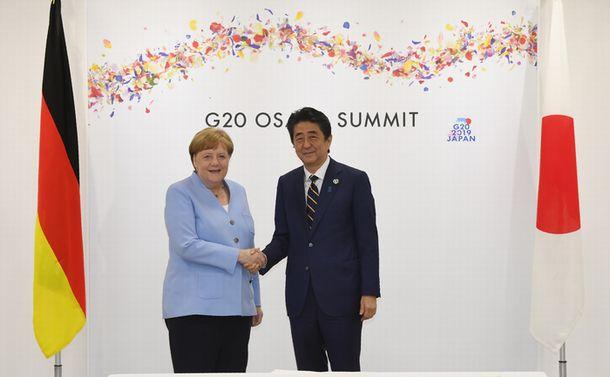 今こそ日本は「自由民主主義体制の旗手」の役割を