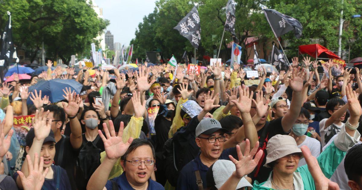 台湾を覚醒させた近くて遠かった香港の民主化運動