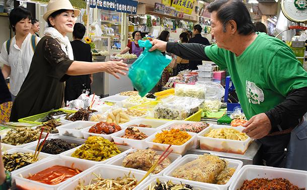 ゴーヤ、ナーベラー、田芋…沖縄の種子を守れるか