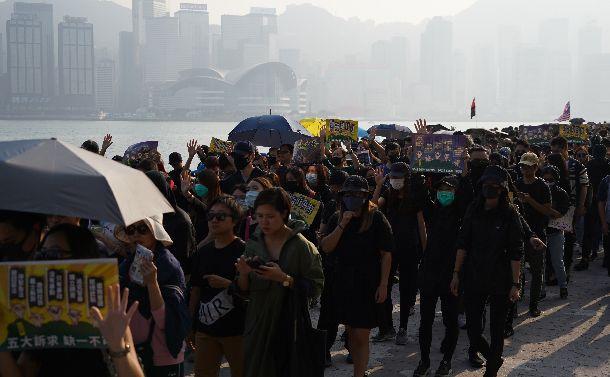 民主派大勝で頑なになる中国。香港に活路はあるか