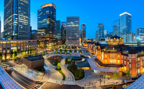 高齢化まっしぐらの東京へ、若い女性たちがなだれ込む